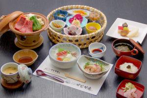 長湯温泉のお料理・大分県の山の幸・海の幸をふんだんに取り入れた地産地消の郷土料理をお楽しみください