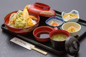 ●天丼 ¥800円|長湯温泉のお料理・大分県の温泉で食べる定食・和食・郷土料理ならかじか庵へ