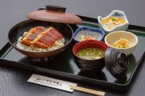 ●うな丼 ¥1,300円|長湯温泉のお料理・大分県の温泉で食べる定食・和食・郷土料理ならかじか庵へ