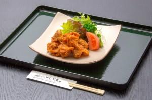 ●鶏の唐揚げ ¥600円|長湯温泉のお料理・大分県の温泉で食べる定食・和食・郷土料理ならかじか庵へ