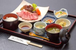 ●焼肉御膳 ¥1,800円|長湯温泉のお料理・大分県の温泉で食べる定食・和食・郷土料理ならかじか庵へ