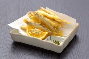 ●ワカサギの天ぷら ¥500円|長湯温泉のお料理・大分県の温泉で食べる定食・和食・郷土料理ならかじか庵へ