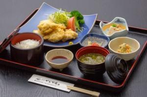 ●とり天御膳 ¥800円|長湯温泉のお料理・大分県の温泉で食べる定食・和食・郷土料理ならかじか庵へ
