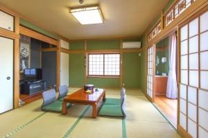 標準3名様用和室「かじかの間」|日本一の炭酸泉!長湯温泉ならかじか庵へ