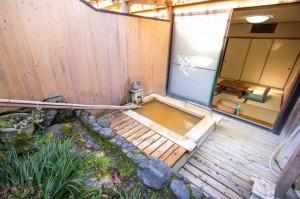 露天風呂付き和室「ふじの間」|日本一の炭酸泉!長湯温泉ならかじか庵へ