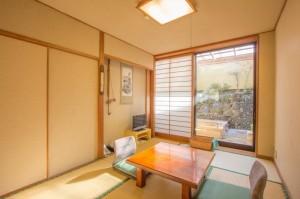 露天風呂付き和室「つつじの間」|日本一の炭酸泉!長湯温泉ならかじか庵へ