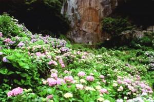 普光寺の磨崖仏